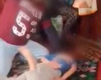 Suceava: Bărbatul acuzat că și-a bătut cu sălbăticie unul din copiii minori a fost reținut