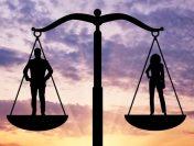 Studiu Ipsos. Stereotipiile de gen și  inegalitățile, adâncite de pandemie. Femeile, mai prost plătite decât bărbații