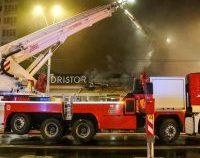 București: O shaormerie din zona Tineretului, curprinsă de flăcări