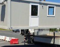 La Nădlac au fost aduse containerele care vor fi folosite pentru vaccinarea în vamă | AUDIO