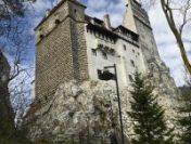 Mergeți la Castelul Bran? Puteți să vă vaccinați anti-Covid la centrul special amenajat aici, în weekend