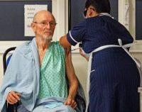Primul bărbat din lume vaccinat anti-Covid a încetat din viață la 81 de ani