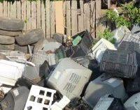 În jur de 5.000 de tone de deșeuri periculoase, descoperite într-o comună din Călărași | VIDEO