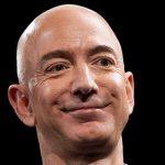 Jeff Bezos i-a întrecut pe Elon Musk și Richard Branson și va zbura în spațiul extraterestru