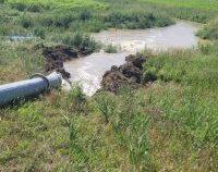 Vrancea: În zona Vadu Roșca, apa de la inudații este scoasă cu motopompe de mare capacitate | AUDIO