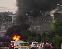 O mașină plină cu artificii a luat foc în Agigea   FOTO