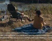 """Cannes 2021: Scurtmetrajul românesc """"Prin oraş circulă scurte poveşti de dragoste"""", premiat în secţiunea Cinéfondation"""