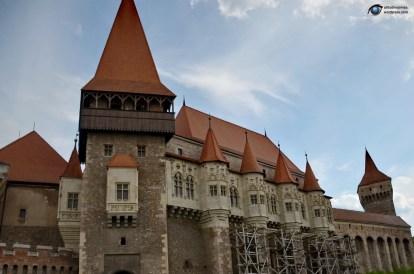 Castelul Corvinilor 01