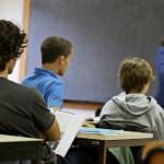 O que o coordenador precisa olhar nas paredes de uma sala de aula