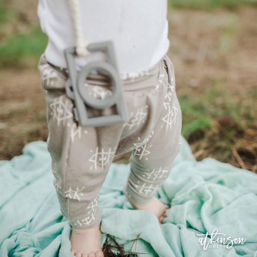 The Atkinson Drive Organics Fall collection is perfect for your adventuring littles! They're sure to fall in love with our cropped harem pants in Ojos.