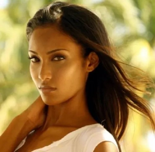 pretty latina women