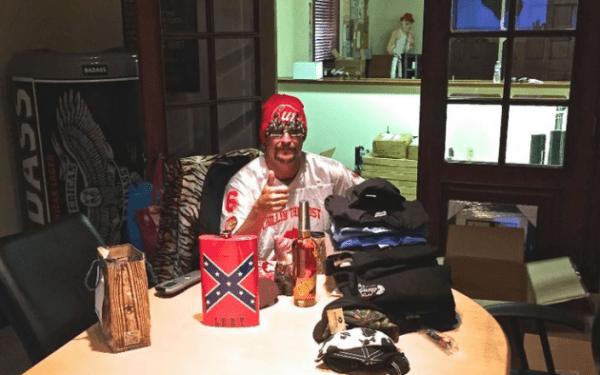 Kid-Rock-with-a-Confederate-flag-flask-630x394