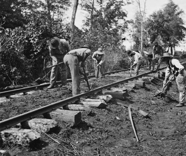 slave-railroad-construction