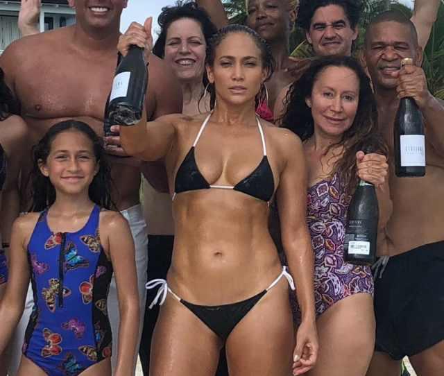 Jennifer Lopez Fans Pressure Boyfriend Arod To Propose After Sexy