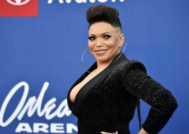 fans in stitches as tisha campbell-martin's soul train