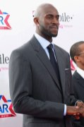 Kevin Garnett showing off the veteran suit game on the red carpet at the 2011 NBA All-Star Game.