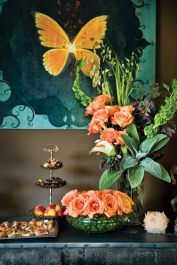Designer Tish Mills creates a fall-inspired tableaux for an impromptu gathering of friends.
