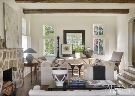 The light-filled living room reveals Debbie's brilliant balance of restrained and rustic for a look that's as contemporary as it is relaxed.