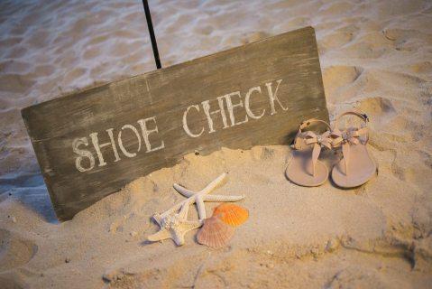 Aruba-Marriott-Resort_Shoe-Check-Beach-Sign