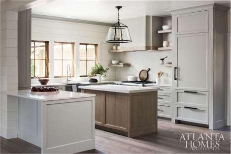 Kingdom Woodworks / Kitchen. Photo by Galina Coada