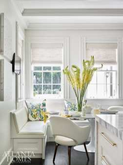 A custom banquette is complemented by a Knoll table and chairs.