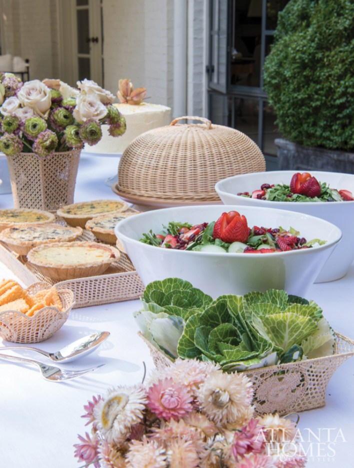 The ritual of entertaining is important to the French, says Suzanne Kasler in Entertaining at Home, and she holds the same standards: Equal attention should be paid to food and presentation. Photos © Michael Hunter; © Entertaining at Home by Ronda Carman, Rizzoli New York, 2019