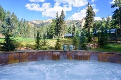 Emerald Valley Ranch guests enjoy cowboy coffee and a morning soak.