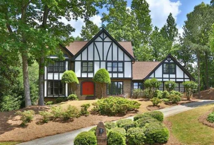 Home In Sandy Springs Spindlewick