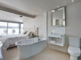Clifton 4th Beach Bungalow 4 Bedroom Atlantic Letting beachfront holiday house Luxury Accommodation Atlantic Letting Cape Town bathroom photo
