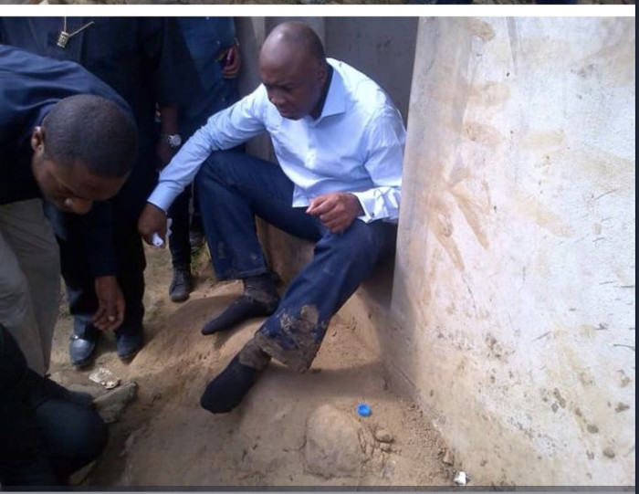Saraki-with-Muddy-trousers-after-the-inspection-of-oil-spill-in-Ogoniland