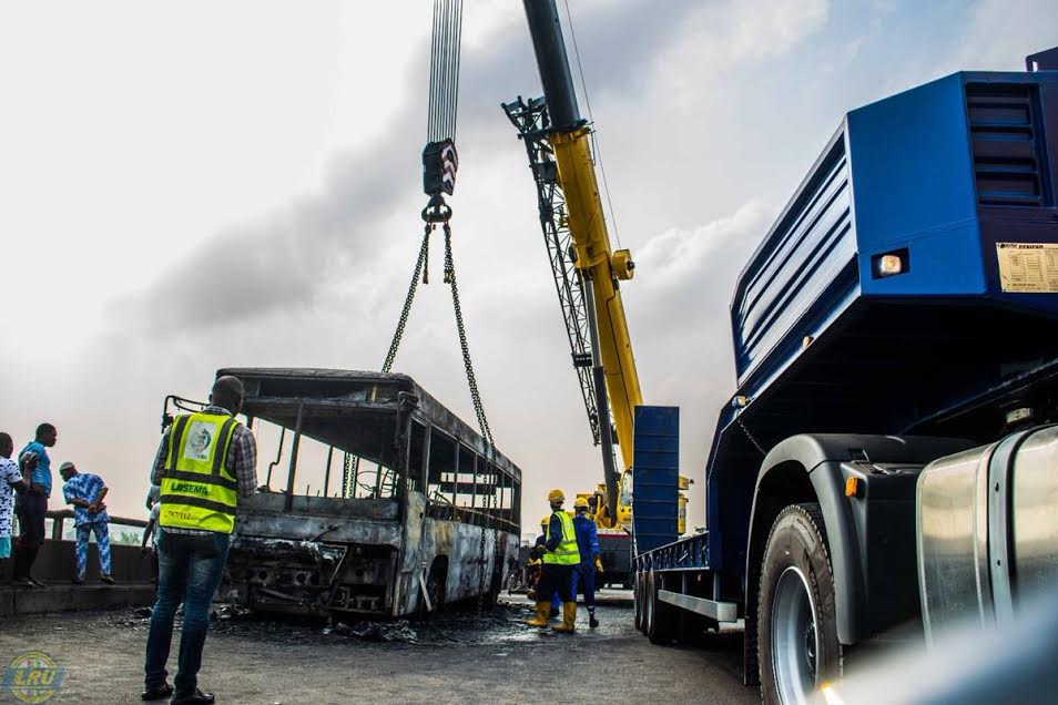 Video: Fire Destroys BRT Bus On 3rd Mainland Bridge Lagos