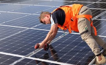 Australian-solar-power-installation