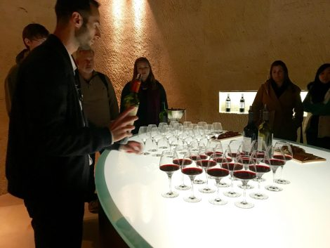 Wine-tasting-bordeaux