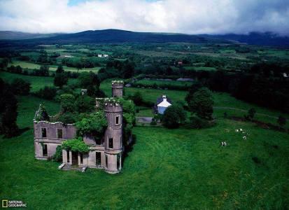 قلعة مهجورة- ايرلندا