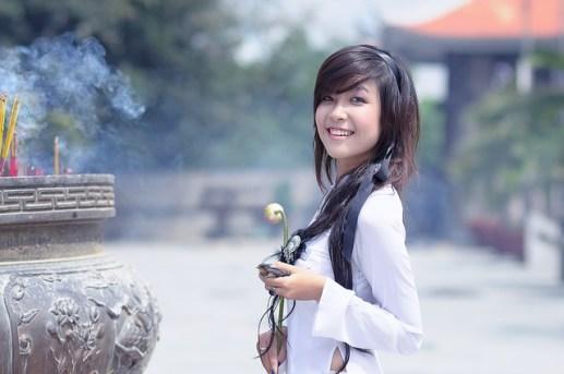 girl-1741941_640