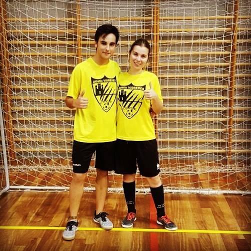 PreBenjamins - Julián (Ajudant i jugador del Juvenil) - Noelia (Entrenadora i Jugadora del Sènior Femení)