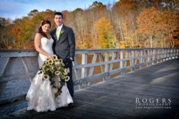 Atmosphere Productions - Rogers Photography - Lake Of Isles - Bella and Vinny - 11-4-17_293_Cataudella_LakeofIsles_RogersPhotography