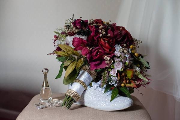 www.atmosphere-productions.com - Wedding Florist - All My Heart Events