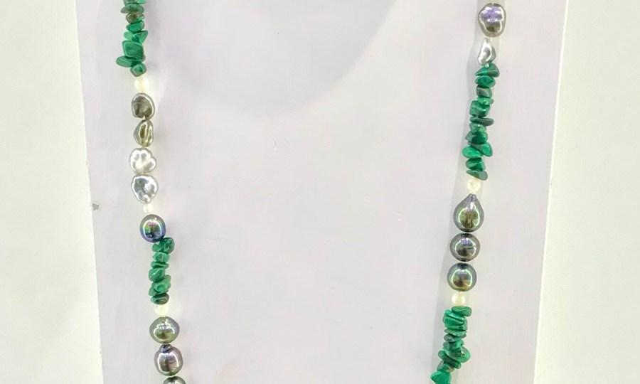 Sautoir perles de Tahiti et malachites