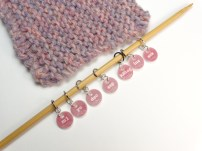 New set of instructional knitting stitch markers