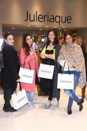 Kathya Stryzak - Pamela Stupia - Flor Pereyra y Nati Zubeldia en el nuevo local de Juleriaque