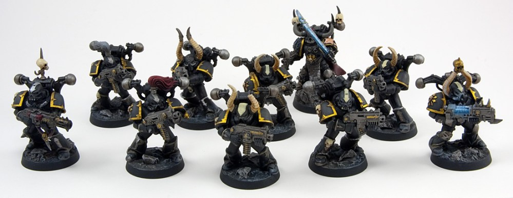 Proper Photos of My First Chaos Space Marine Squad (1/4)