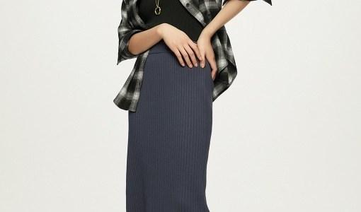 GUワイドリブニットナロースカートのコーデや人気色は?サイズ感も