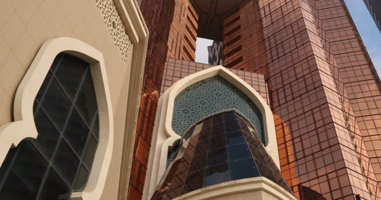 Overnight at Bab Al Qasr, Abu Dhabi.