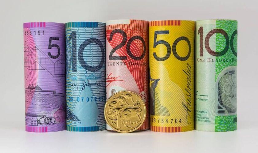 Australian dollar declines sharply after RBA Governor's dovish statement