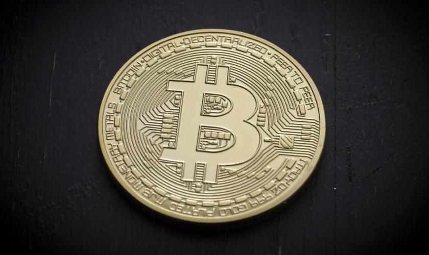 Bitcoin price analysis - BTCUSD working through cloud resistance