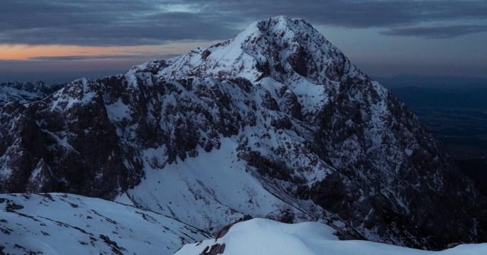 mountains www.atozmomm.com