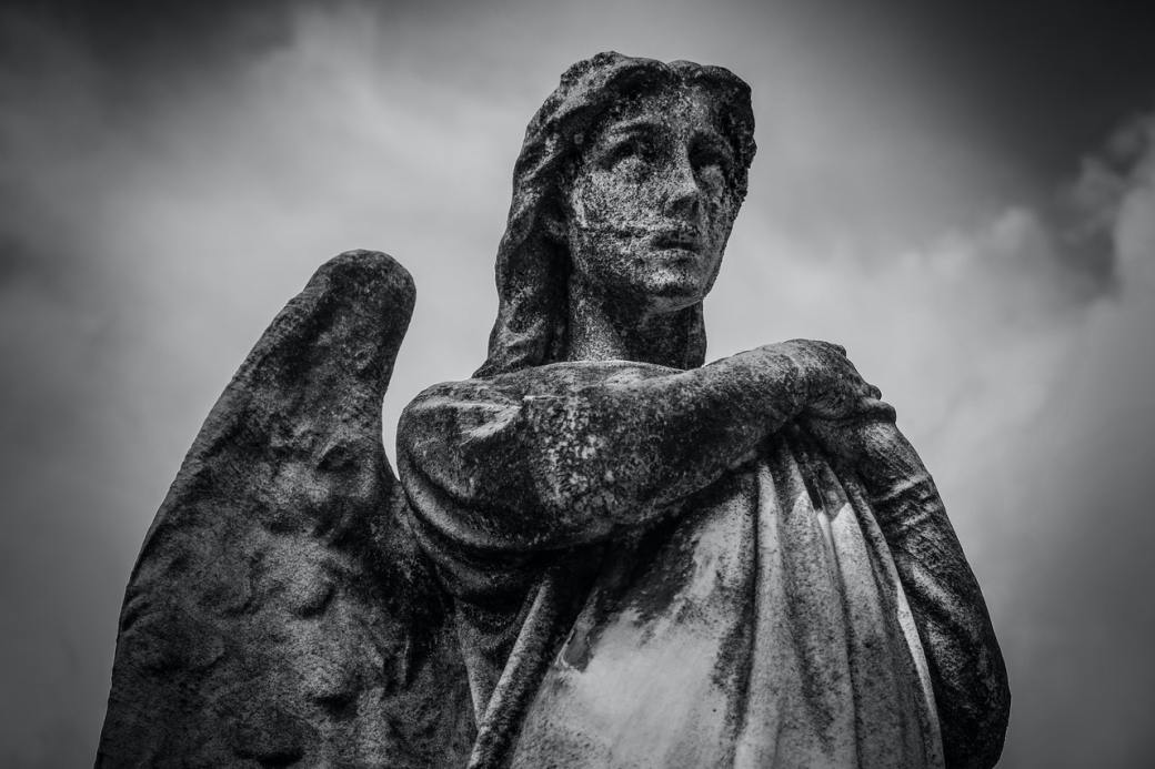 angel gabriel in Luke 1:26-38 www.atozmomm.com