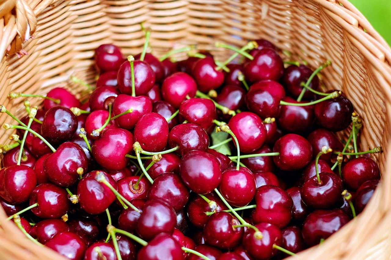 The Best Way to Can Sweet Cherries