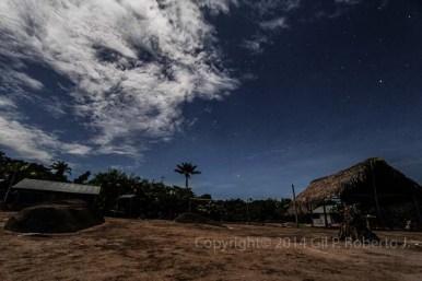 COMUNIDAD INDIGENA MOMONI DEL AMAZONAS NOCHE RURAL_